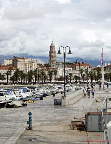 cosa vedere a Trogir: non molto distante dalla cittadina c'è lla bella città di Spalato.