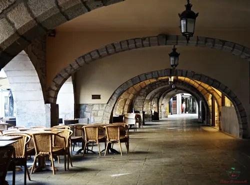 I portici della Rambla di Girona.