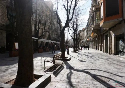 Cosa vedere a Girona in un weekend: La Rambla.