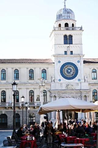 Piazza dei Signori è una delle piazze più belle della città di padova.