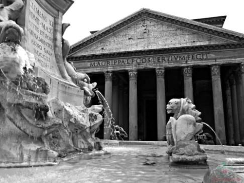 Il Pantheon di Roma, uno dei luoghi esplorati da Robert Langdon, protagonista del libro Inferno di Dan Brown, uno dei libri ambientati in Italia che ti consiglio di leggere.