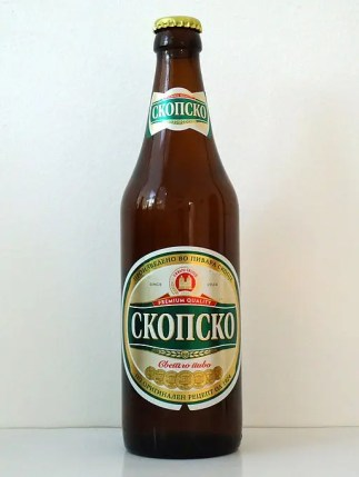quali birre bere nei Balcani? La skopsko pivo. By LeeKeoma [Public domain], from Wikimedia Commons