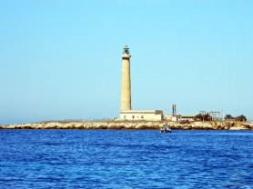 cosa vedere sull'isola di favignana: il faro.
