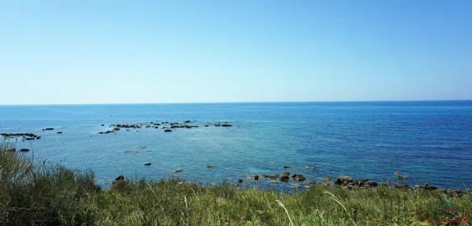 Una delle belle spiagge di Durazzo è Plazhi i Kallmit, consigliata per le tue vacanze al mare in albania.