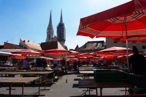 Il mercato Dolac è una delle cose da vedere a Zagabria.