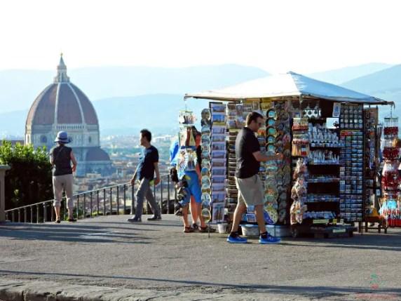 Cosa vedere a Firenze fuori dal centro storico: Piazzale Michelangelo.