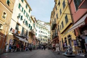 Riomaggiore è uno dei borghi da visitare alle Cinque terre in un giorno.