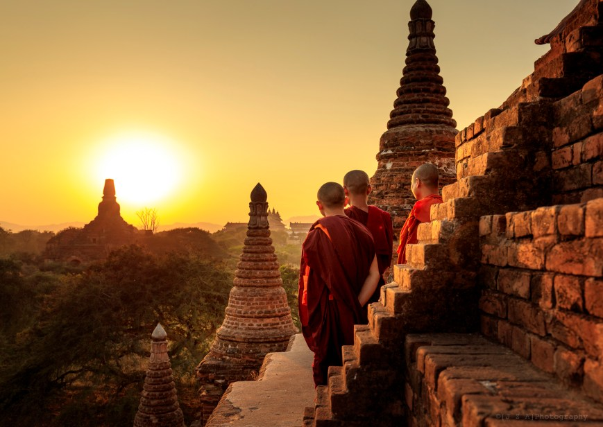 Monks watch the Sunset ove Bagan