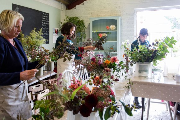 flower-arranging-web