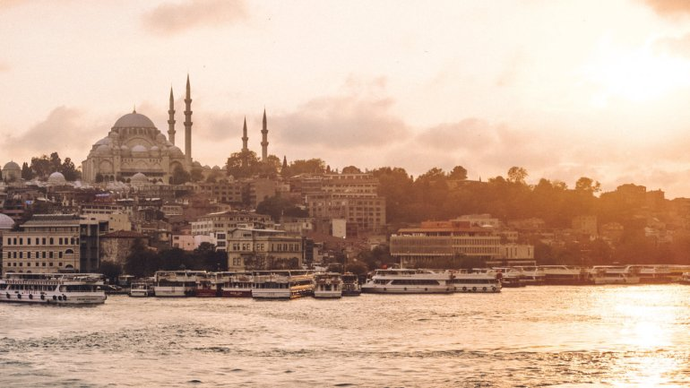 Istanbul al tramonto