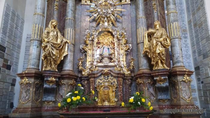 13-gesù-bmbini-di-praga-chiesa-vergine-maria-vittoriosa praga