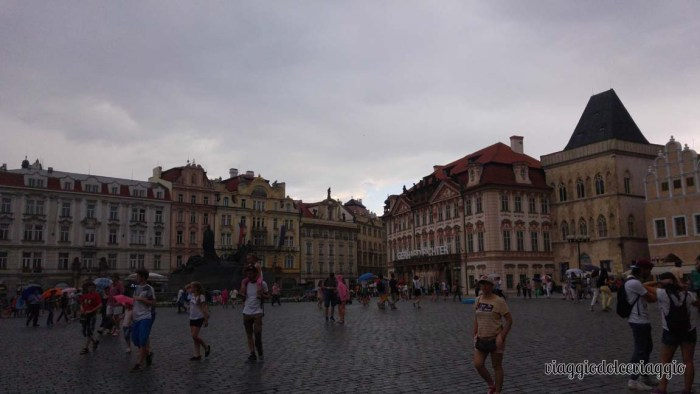 7-piazza-città-vecchia-praga (1)