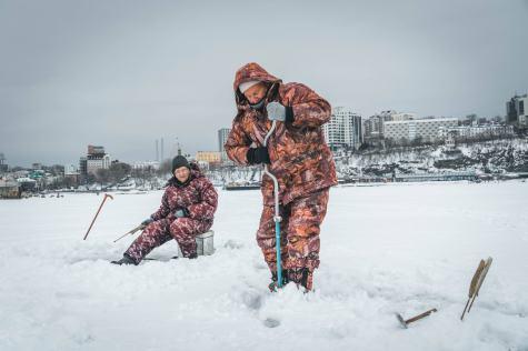 pesca nel ghiaccio russia