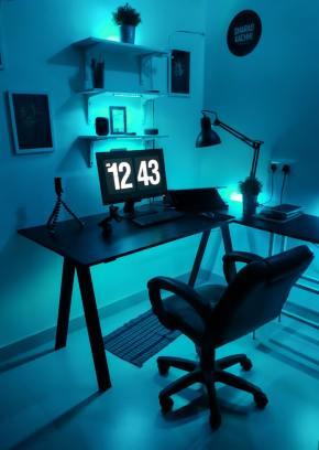 scrivania lavoro da remoto