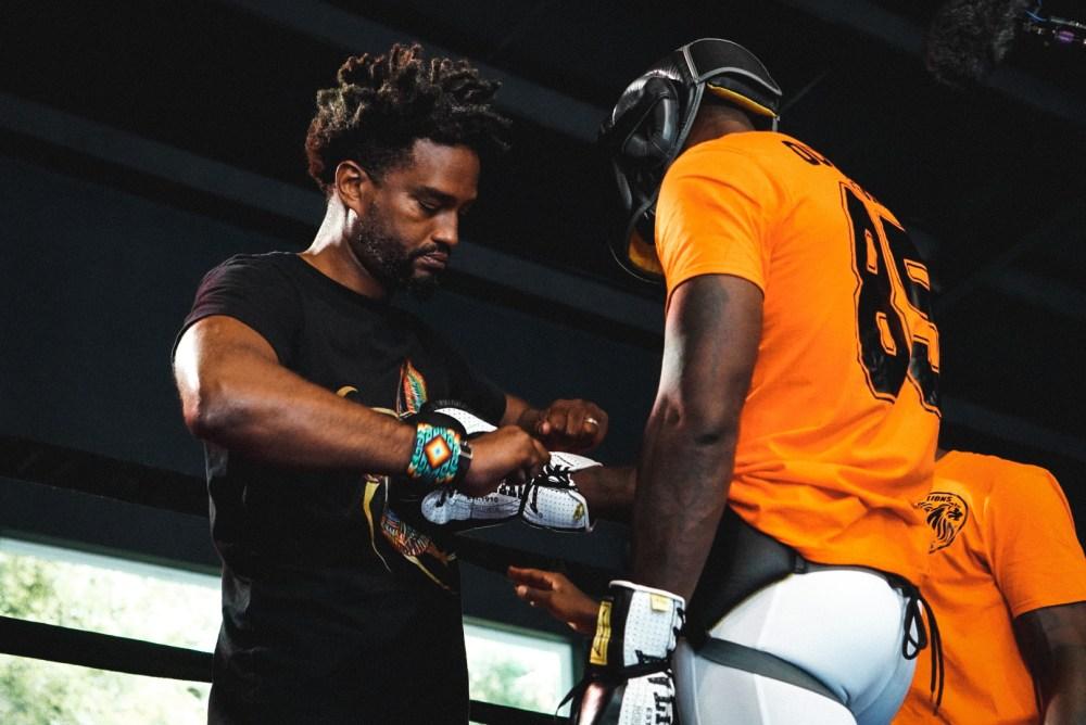NFL star turns boxer