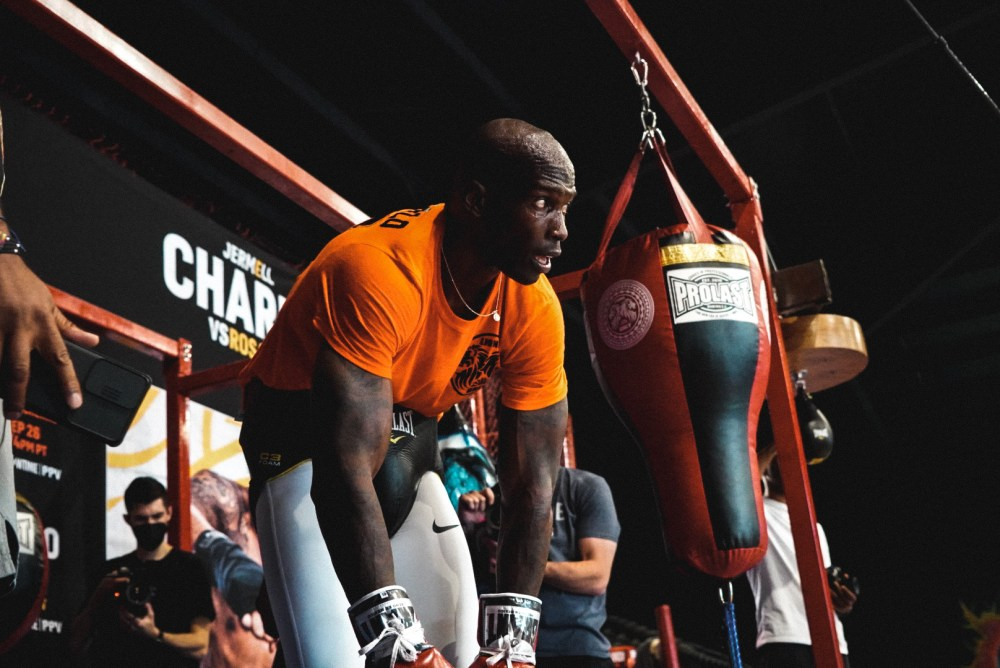 ochocinco boxing