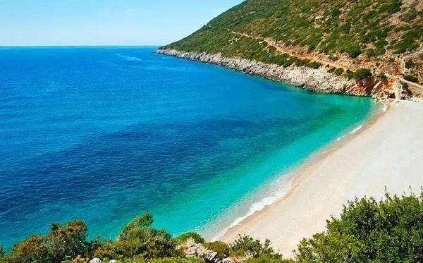 10 luoghi in Albania che i turisti non conoscono