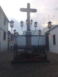 """Plaza Capuchinos. Cristo de """"Los Faroles"""" de 1794"""