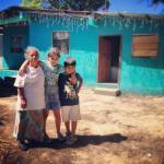 Abuela y nietos en Boquete, Panama