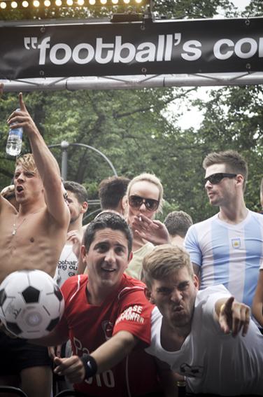 Gay parade_Footballweb