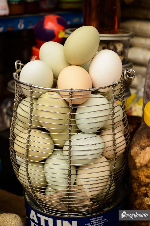 Huevos coloridos.