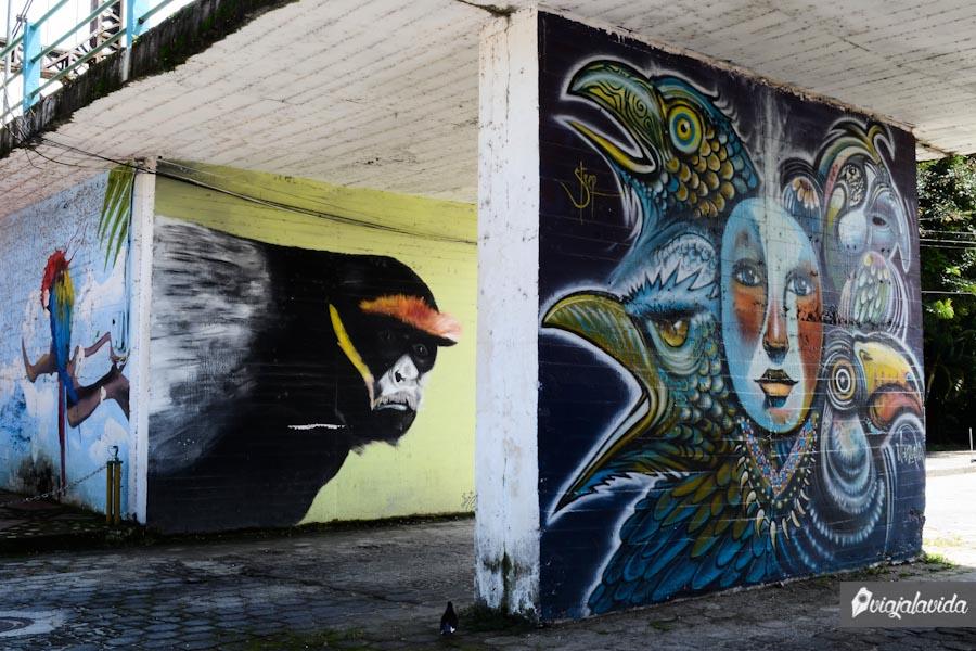 Paredes con arte de graffiti