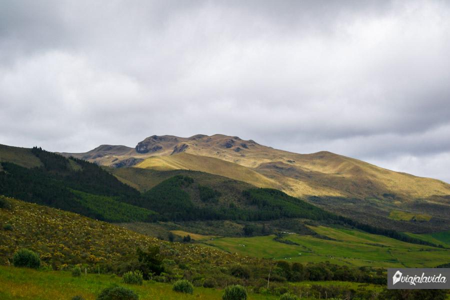 Montañas y cielo