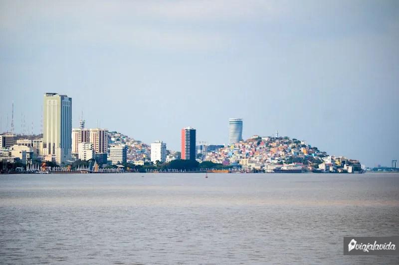 Vista de Guayaquil y el río