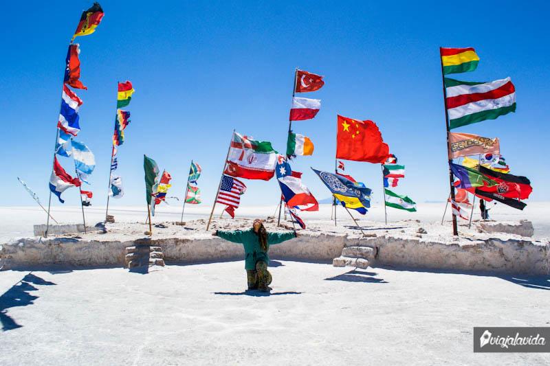 Banderas en el Salar de Uyuni.