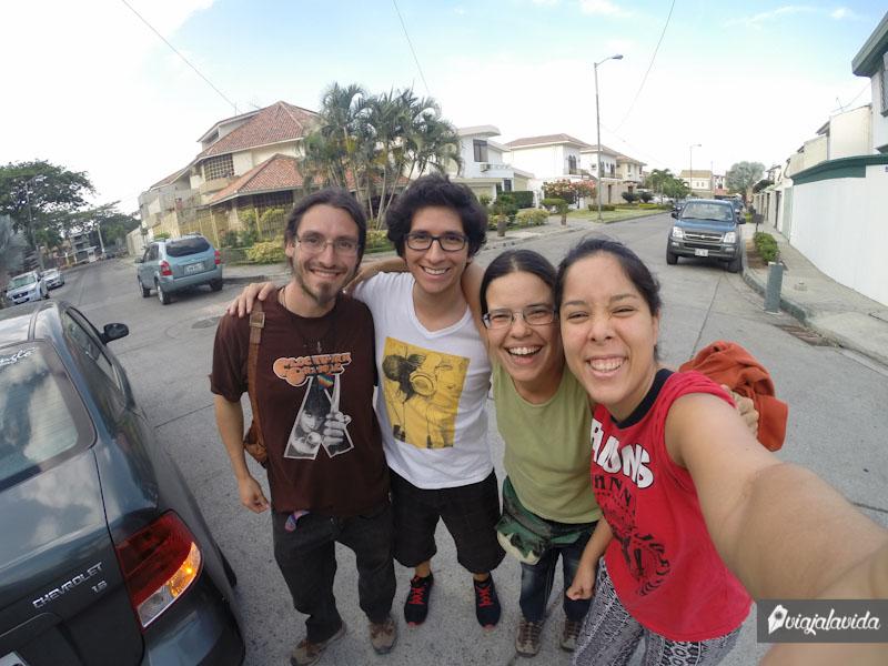 Viajeros en Ecuador.