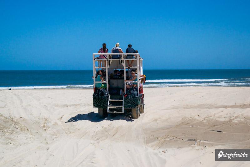 Vehículos en Cabo Polonio.