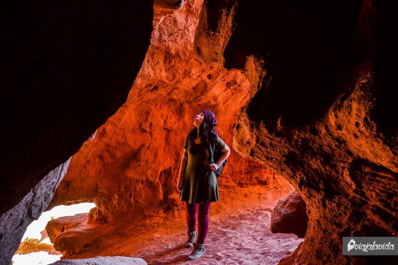 Cueva en Los Colorados.