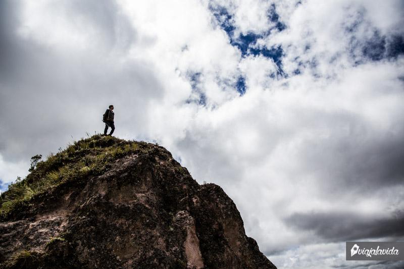 En la punta de la montaña.