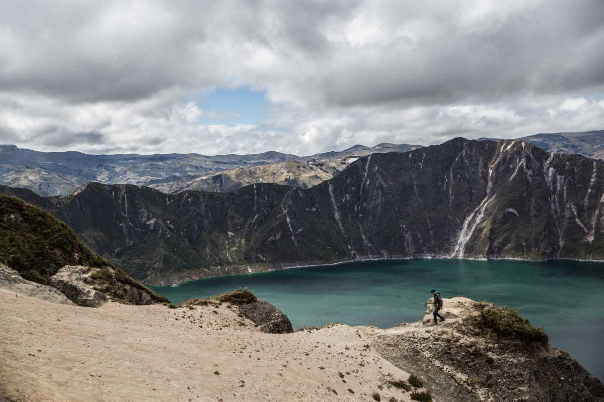 Circuito Quilotoa : Quilotoa un trekking alrededor de su cráter viaja la vida