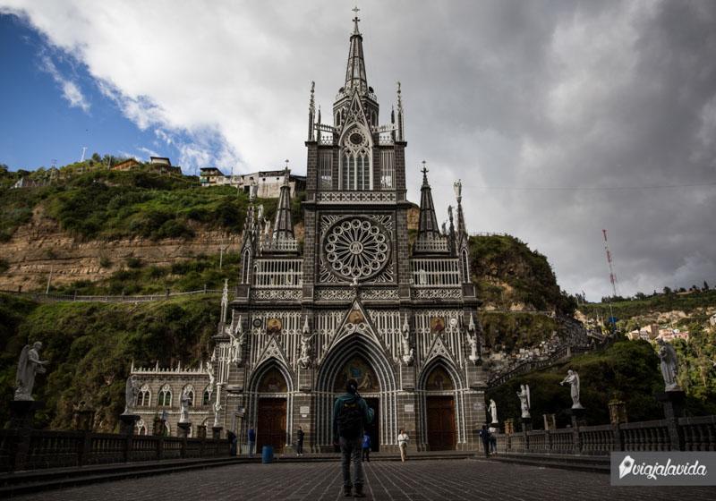 Fachada iglesia de Las Lajas