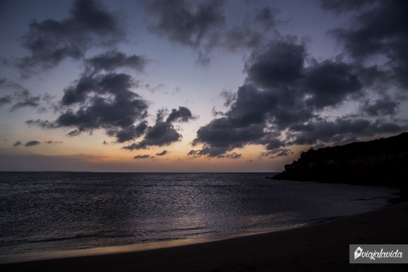 Atardecer en Playa Punta Agujas.