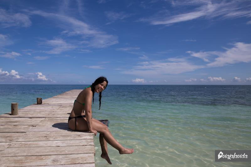 Sobre el muelle en la Isla Tintipán.