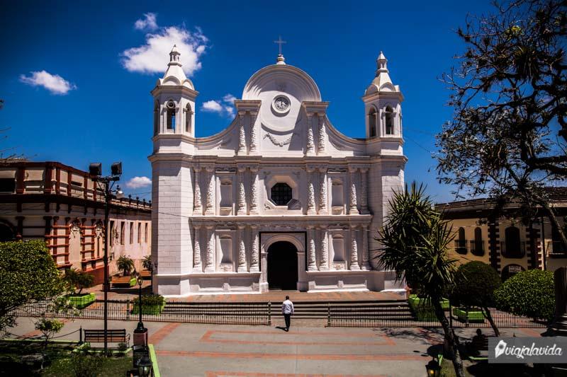 Catedral en Santa Rosa de Copán, Honduras.
