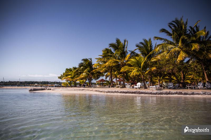 Bando Beach, una maravilla en Útila.