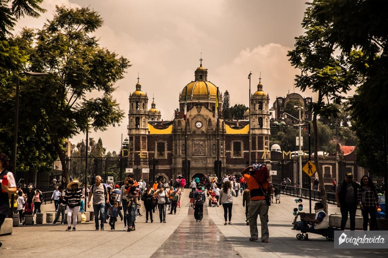 Entrada Basílica de Guadalupe.