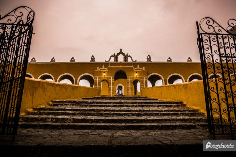 Fachada del Convento San Antonio de Padua.