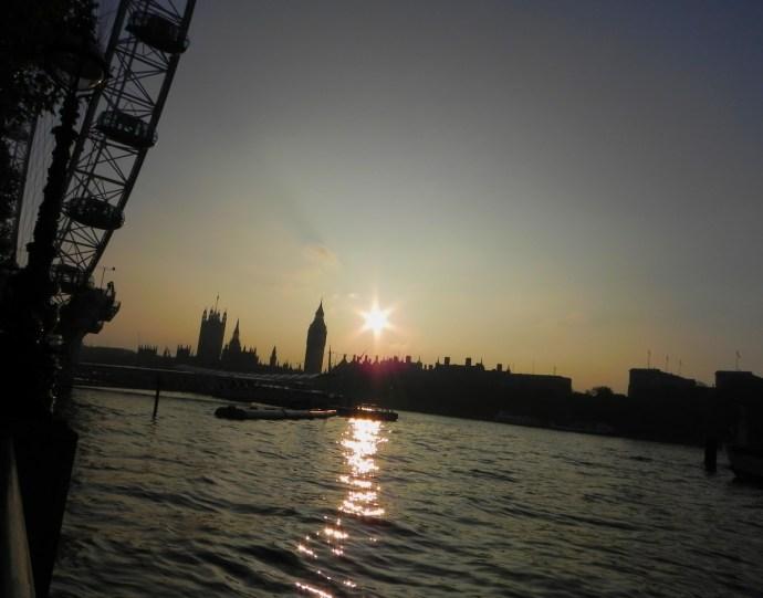 Best sunset! Não tem nenhum filtro nessa foto, juro! (Foto: Iara Vilela)