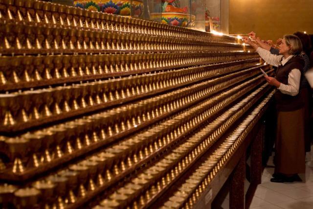 templo budista_lamparinas_viajando bem e barato