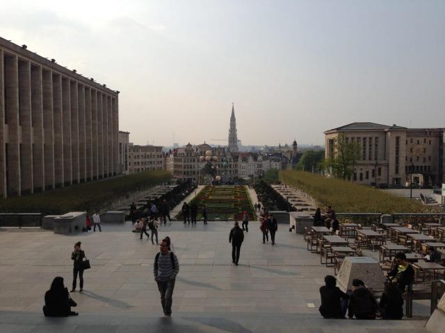 Dicas de Bruxelas_praça_Viajando bem e barato