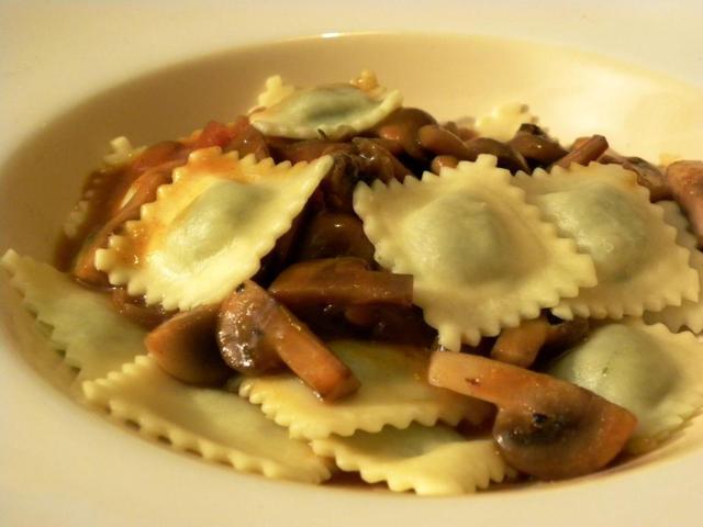Gastronomia italiana_ravioli espinafre_Viajando bem e barato
