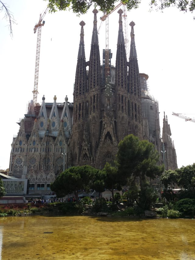 Viajando sozinho pela Europa_Igreja_Viajando bem e barato