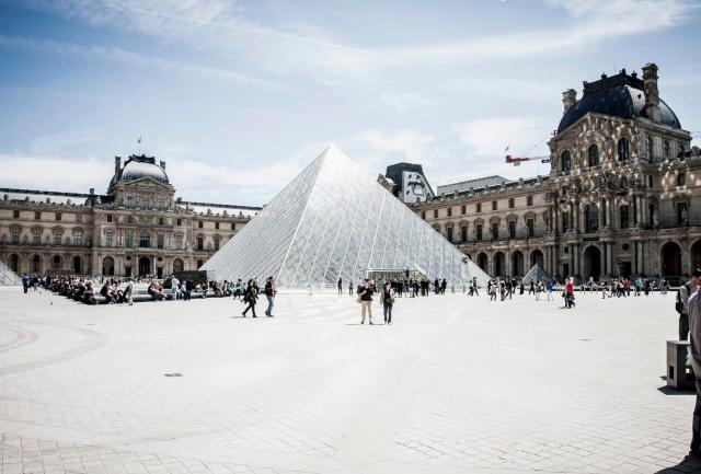 coisas para fazer de graça em Paris_Louvre_Viajando bem e barato