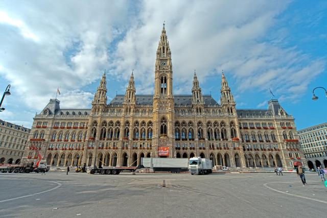 Dica de passeio em Viena_Rathaus_Viajando bem e barato