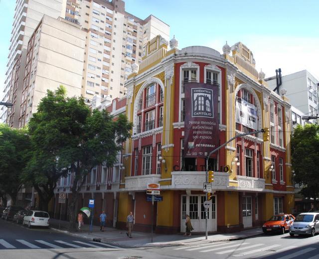 Roteiro pelo Centro de Porto Alegre_Capitolio_Viajando bem e barato