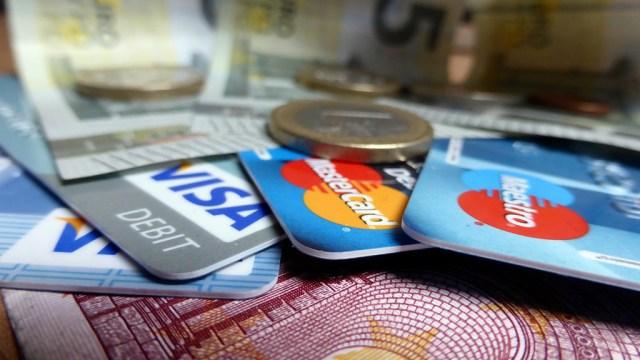compras-internacionais-no-cartao-de-credito_cartoes_viajando-bem-e-barato